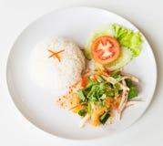 Горячий и кислый зажаренный салат рыб стоковое фото rf