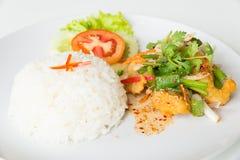 Горячий и кислый зажаренный салат рыб стоковое изображение rf