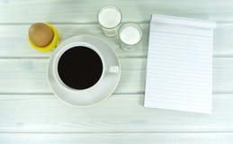 Горячий кофе в утре стоковое изображение
