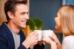 Горячий кофе и горячая влюбленность Стоковые Изображения