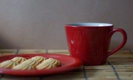 Горячий кофе и домодельные печенья Стоковые Изображения
