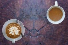 Горячий кофе на деревянной таблице Стоковая Фотография