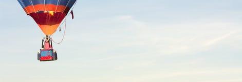 Горячий пилот воздушного шара с copyspace Стоковое фото RF