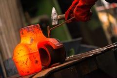 Горячий утюг в smeltery Стоковые Фотографии RF