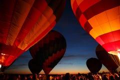 Горячий фестиваль в Pereslavl-Zalessky, летание воздушных шаров ночи Yaroslavl областное в 16-ое июля 2016 Стоковые Изображения RF