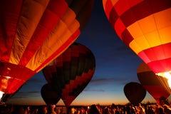 Горячий фестиваль в Pereslavl-Zalessky, летание воздушных шаров ночи Yaroslavl областное в 16-ое июля 2016 Стоковое Фото