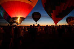 Горячий фестиваль в Pereslavl-Zalessky, летание воздушных шаров ночи Yaroslavl областное в 16-ое июля 2016 Стоковое Изображение RF