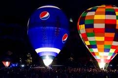 Горячий фестиваль Колорадо-Спрингс Колорадо воздушного шара на ноче Стоковая Фотография
