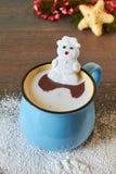 Горячий шоколад и расплавленный снеговик зефира Стоковая Фотография RF