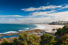 Горячий день на королях Пляже Calundra, Квинсленд, Австралии Стоковое фото RF