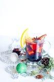 Горячим вино обдумыванное красным цветом изолированное на белой предпосылке Стоковые Изображения