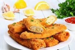 Горячим кудрявым энчилада цыпленка обвалянные в сухарях сыром Стоковые Изображения