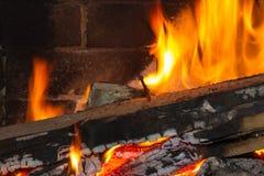 Горящая древесина с ногтем Стоковая Фотография RF