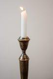 Горящая свеча для Shabbat Стоковое Изображение RF