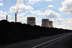горящая электростанция угля стоковые изображения rf