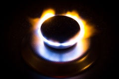 Горящее кольцо на предпосылке металла Стоковые Изображения