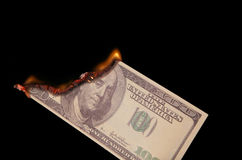 горящие доллары 100 одних Стоковые Изображения