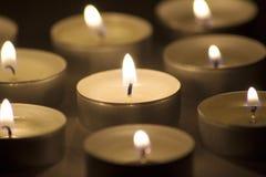 горящие свечки темные Стоковое Изображение RF