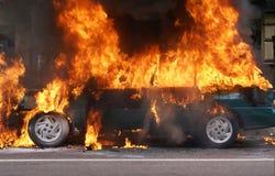 горящий автомобиль Стоковые Изображения RF