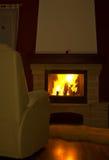 горящий интерьер камина стоковое изображение rf