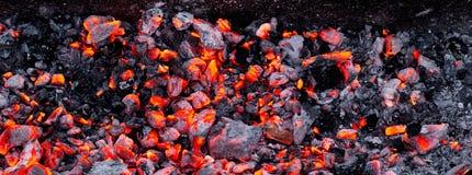 Горящий уголь как предпосылка Стоковые Фотографии RF