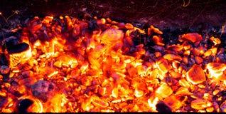 Горящий уголь как предпосылка Стоковая Фотография