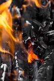 Горящий уголь как предпосылка Стоковое фото RF