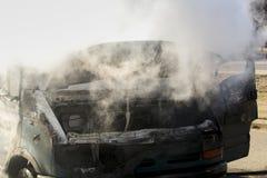 горящий фургон стоковое фото rf