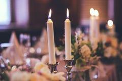 2 горящих свечи на tabe Стоковая Фотография RF