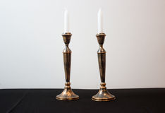 2 горящих свечи для Shabbat Стоковое Изображение RF