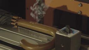 Горящ и высекающ промышленный лазер видеоматериал