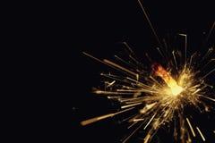 Горя Бенгалия увольняет или бенгальский огонь на черной предпосылке Стоковая Фотография