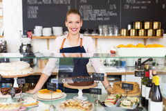 Гордое молодое женское предприниматель кафа стоковая фотография rf