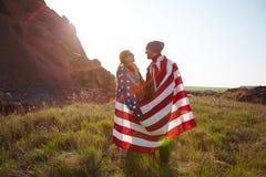 Гордые американцы наслаждаясь природой Стоковые Изображения RF