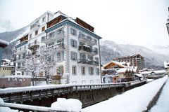 Гостиница в городке Шамони в французе Альпах, Франции Стоковые Фото