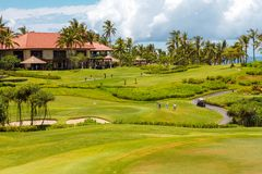 Гостиница и поля гольфа Стоковое Изображение RF