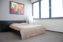 гостиница кровати квартиры стоковые фото