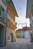 Гостиница кроны в квадрате здание муниципалитета Thun с украшением рождества Стоковая Фотография