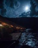Гостиница на реке Kwai к ноча Стоковая Фотография