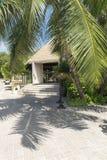 Гостиница на тропическом пляже, Ла Digue, Сейшельских островах Стоковая Фотография