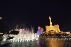 Гостиница Парижа и казино, Лас-Вегас, ноча, ориентир ориентир, отражение, выравниваясь Стоковая Фотография