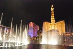 Гостиница Парижа и казино, Лас-Вегас, Париж Лас-Вегас, фонтан, ориентир ориентир, метрополия, район метрополитена стоковые фотографии rf