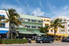 Гостиница пеликана, привод океана, южное Miami Beach, Флорида, США стоковое изображение