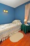 гостиница спальни уютная Стоковое фото RF