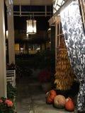 Гостиница страны в осени стоковые фотографии rf