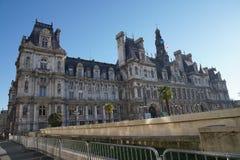 Гостиница de Ville, здание муниципалитет Парижа, от улицы Rivoli Стоковое фото RF