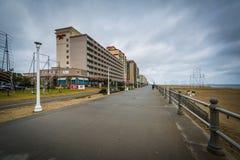 Гостиницы променада и highrise в Virginia Beach, Вирджинии стоковые фото