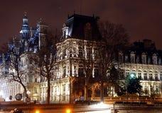 Гостиниц-de-Ville Здание муниципалитет в Париже на ноче Стоковые Изображения