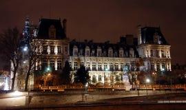 Гостиниц-de-Ville Здание муниципалитет в Париже на ноче Стоковое Фото