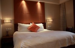 гостиничный номер спальни Стоковое Фото